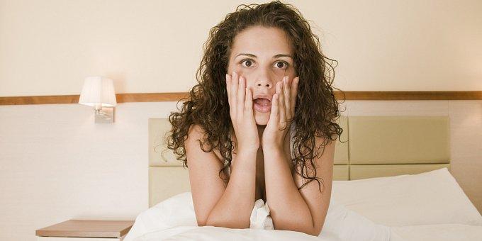 Pády, nahota, vypadané zuby: 10 nejčastějších nočních můr a jejich výklad