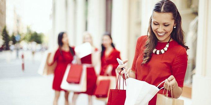 Buďte sexy na Valentýna: Oblečte se do rudé. Inspirace v galerii