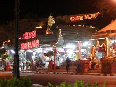 Sharm El Sheikh v noci