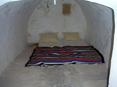 Jedna z desítek obytných místností