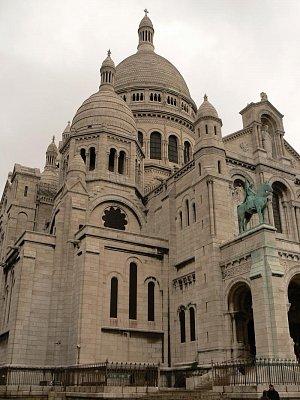 Bazilika ze strany