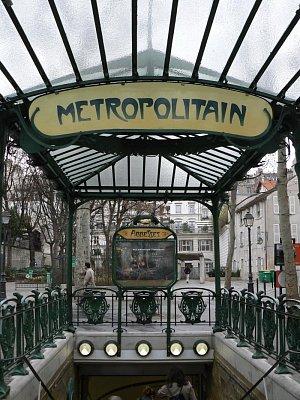 Vchod do metra