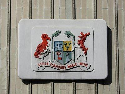 Znak Mauritia na budově sídla vlády