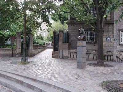 Place Dalida - Doopravdy kouzelné místo pro rozjímání a kochání se atmosférou Montmartru ...