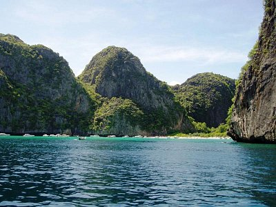 Maya Bay, zátoka z filmu Pláž (nahrál: Bones)