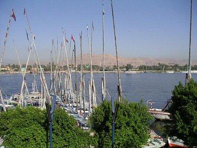 Kotviště feluk v Luxoru (nahrál: admin)
