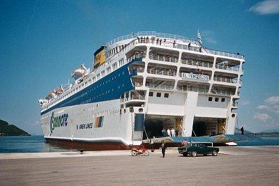 Anek Lines-Eleftherios Venizelos - Jeden z největších trajektů ve Středozemním moři. Na jeho palubu se vejde přes 1000 aut a 2500 pasantů (nahrál: Libor)