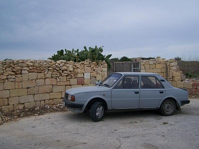 Škoda 120 není na Maltě vzácností (nahrál: Radka Mihulova)