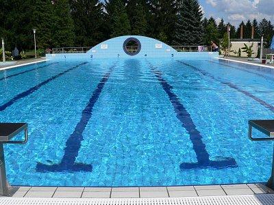 bazén (nahrál: admin)