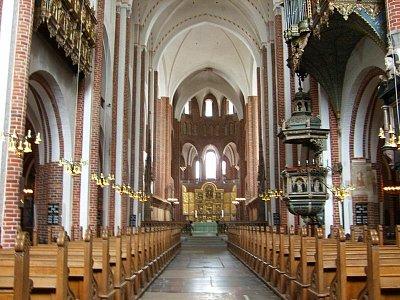 hlavní loď katedrály v Roskilde (nahrál: admin)