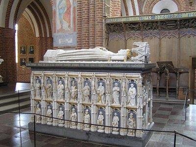ostatky krále v katedrále v Roskilde (nahrál: admin)