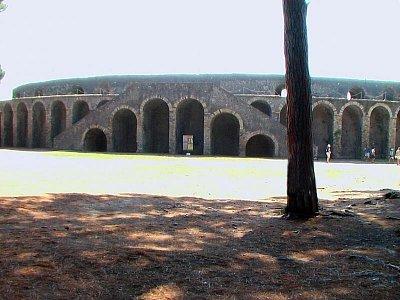 Amfiteatr (nahrál: kotoule)
