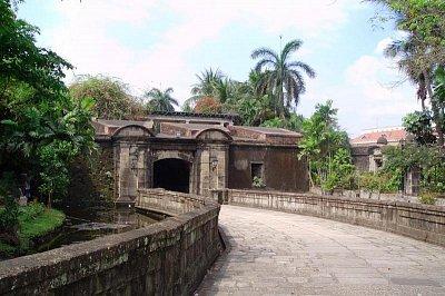 Intramuros - vchod (nahrál: admin)