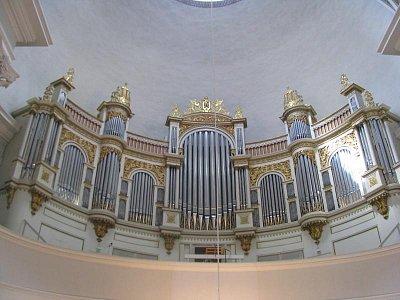 varhany (nahrál: Petra Lecová)