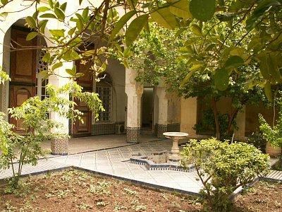 Dar Pacha Tazi - Palác byl vybudován na počátku 20. století a zabírá okolo 4800 m2. Žilo zde mnoho významných hodnostářů vlády a francouzského protektorátu. (nahrál: Petr Kubík)