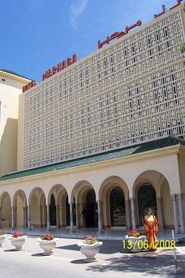 Hotel Marhaba - Před hotelem. (nahrál: kůzlenka)