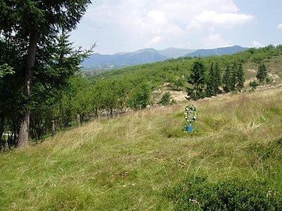 pohled na hrob Nikoly Šuhaje  (nahrál: Kamil Hainc)