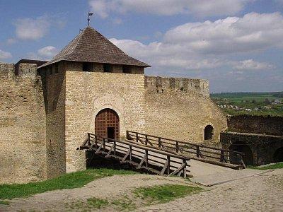 Chotyn - hradní brána (nahrál: Kamil Hainc)