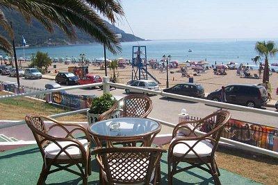 Pláž v Agios Georgios (nahrál: Tylínek)