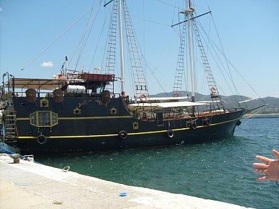 Neos Marmaras - výletní loď (nahrál: NataliD)