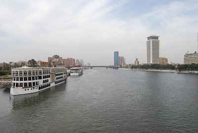 Výhled na Nil z mostu Quase el-Nil (nahrál: evelyn)