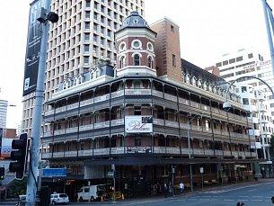 Base Brisbane Palace Central