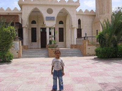 holčička před mešitou (nahrál: dagbul)