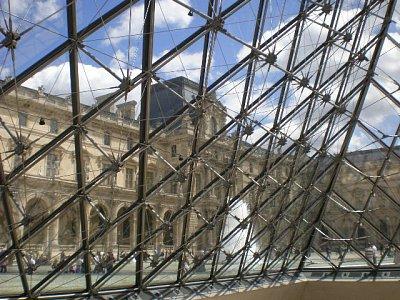 V pyramidě (nahrál: Marie9)