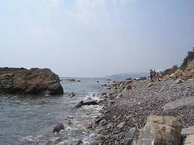 Divoká pláž u Imperie - Sem chodí všichni páníčci se psy. Na hotelové pláže pejsci nemají přístup. (nahrál: Jitka Zagorová)