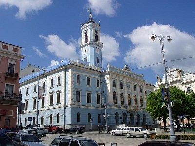 radnice na hlavním náměstí (nahrál: K.H.)