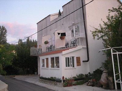 Žuljana - Ubytování u Željka a Martiny kousek u přístavu na konci hlavní ulice v Žuljaně (nahrál: RadulkaP)