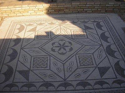 geometrická mozaika (nahrál: ladka)