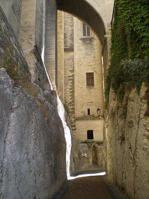 Avignon -ulička za palácem (nahrál: Vlaďka)