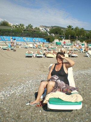 soukromá hotelová pláž - patří ******hl.Limra,hrůzoděsivý přístup do moře,po 2 metrech okamžitá hloubka,takže pouze pro plavce a neplavci holt do chlóru....... (nahrál: regner)