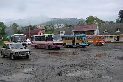 Mežhorje, autobusové nádraží - Mežhorje je okresní město (nahrál: elena)