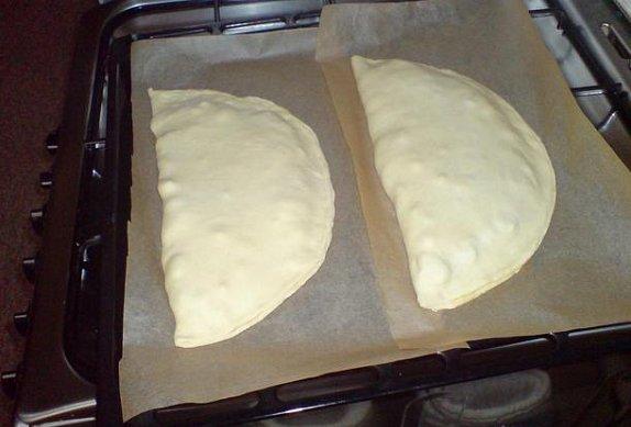 Calzone - Plněná pizza