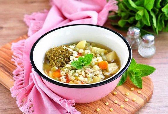 Králičí polévka s drožďovými knedlíčky photo-0