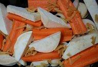 Pečená žebírka na zelenině