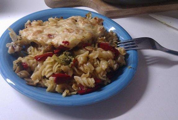 Zapečené těstoviny s brokolicí photo-0