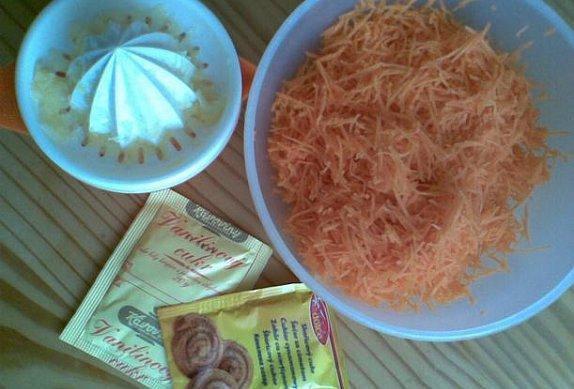 Mrkvový salát s vanilkovým nebo skořicovým cukrem