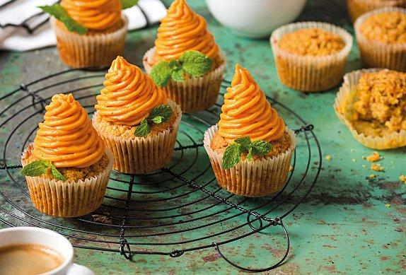 Mrkvovo-mandlové cupcakes s batátovým krémem