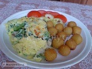 Rybí filé zapečené se sýrem a s brokolicí
