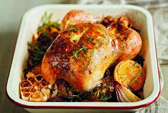 Pečené kuře s bylinkami, česnekem a citronem