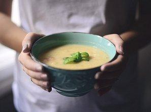 Polévka z pečeného květáku