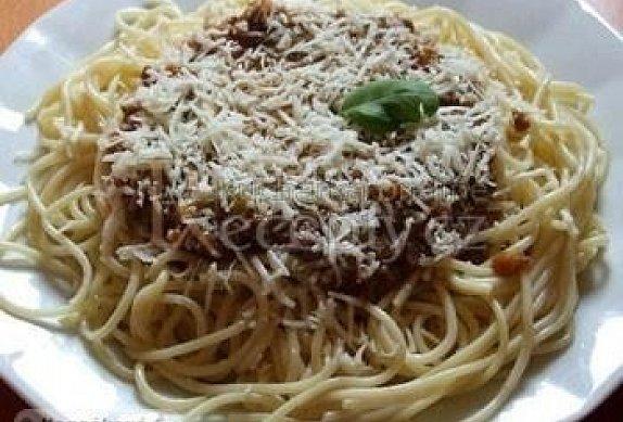 Špagety s mletým masem a zeleninou