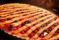 Svěží koláč s lesním ovocem