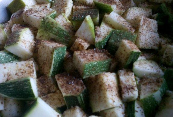 Dušená cuketa/patizon s uzeným masem a bramborem