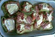 Sýry v slaninovo-paprikovém hnízdě