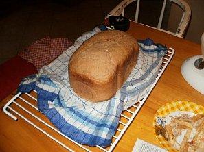 Kmínový pšenično-žitný chléb