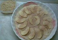 Perníkový koláč s ořechovou žmolenkou